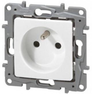 LEGRAND Niloé Prise de courant 2P+T blanc - 664735